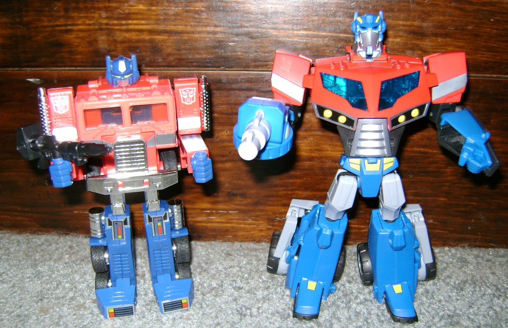 AOP compare 1024x662 Toy Review: Transformers Animated Optimus Prime!