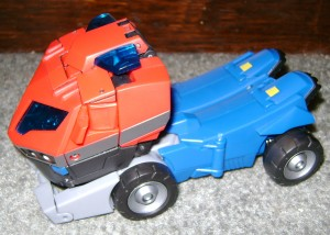 AOP tr 300x214 Toy Review: Transformers Animated Optimus Prime!