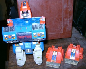 GBPS2 300x244 Vintage Toy Of The Week: Go Bots Power Suit!
