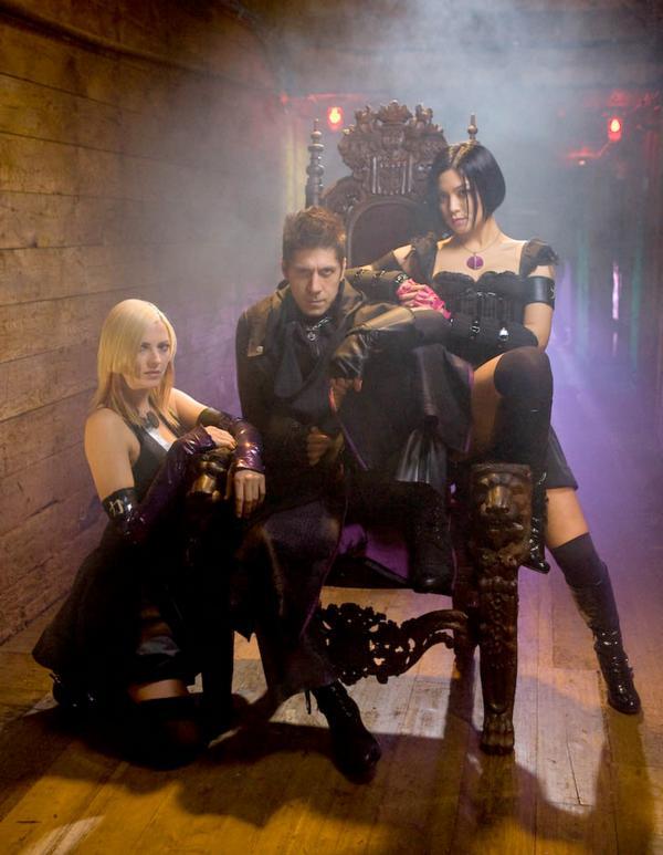 www.nerdsociety.com/wp-content/uploads/2009/11/KOF-Movie-with-Ray-Park.jpg