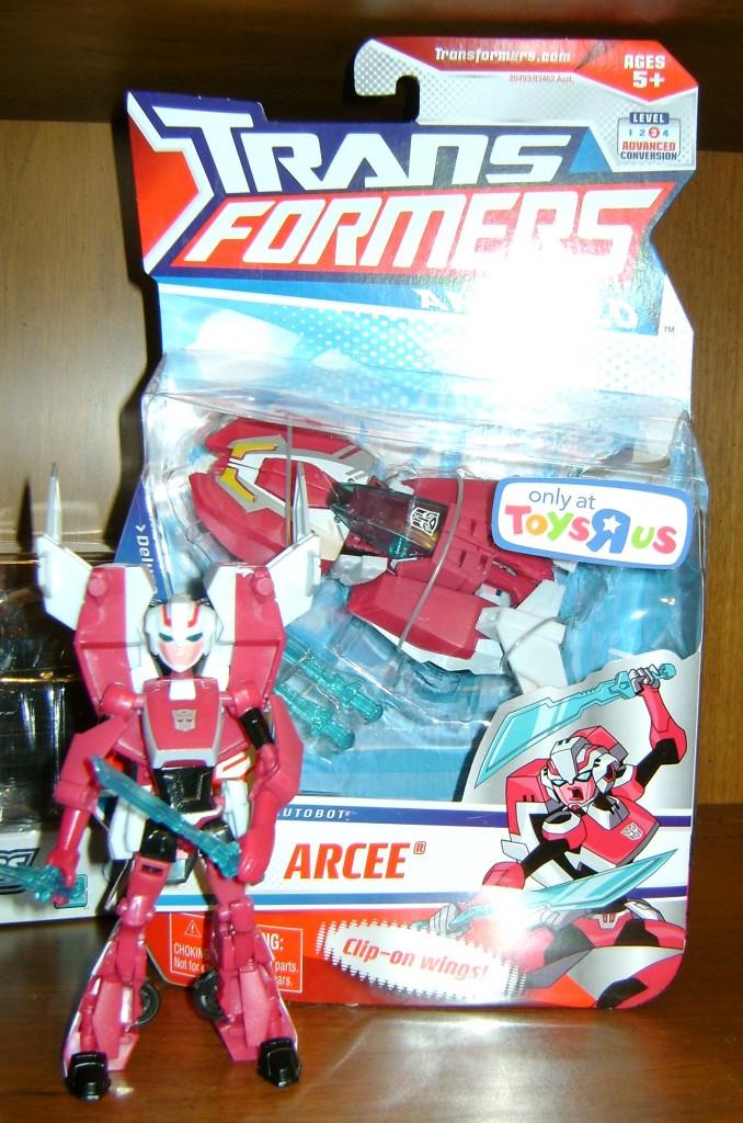 Arcee box bot 678x1024 Bitchin Toy: Transformers Animated, Arcee!