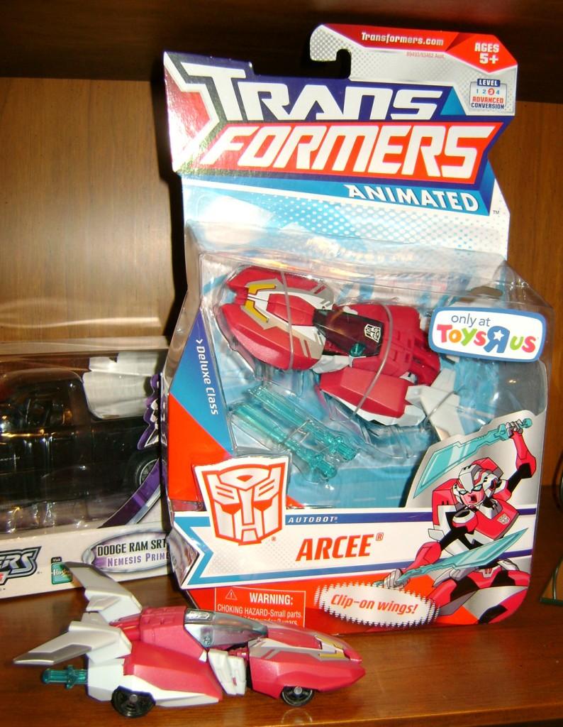 Arcee box car 794x1024 Bitchin Toy: Transformers Animated, Arcee!