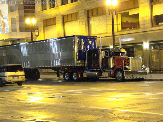 DSC058161 Optimus Prime Trailer in Transformers 3