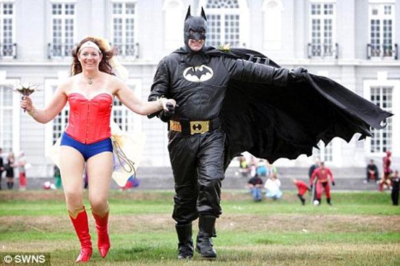 superherowedding2 Batman And Wonder Woman Get Married