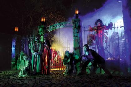 KnottsScaryFarm Knott's Scary Farm Halloween Haunt 2010 Maze Reviews