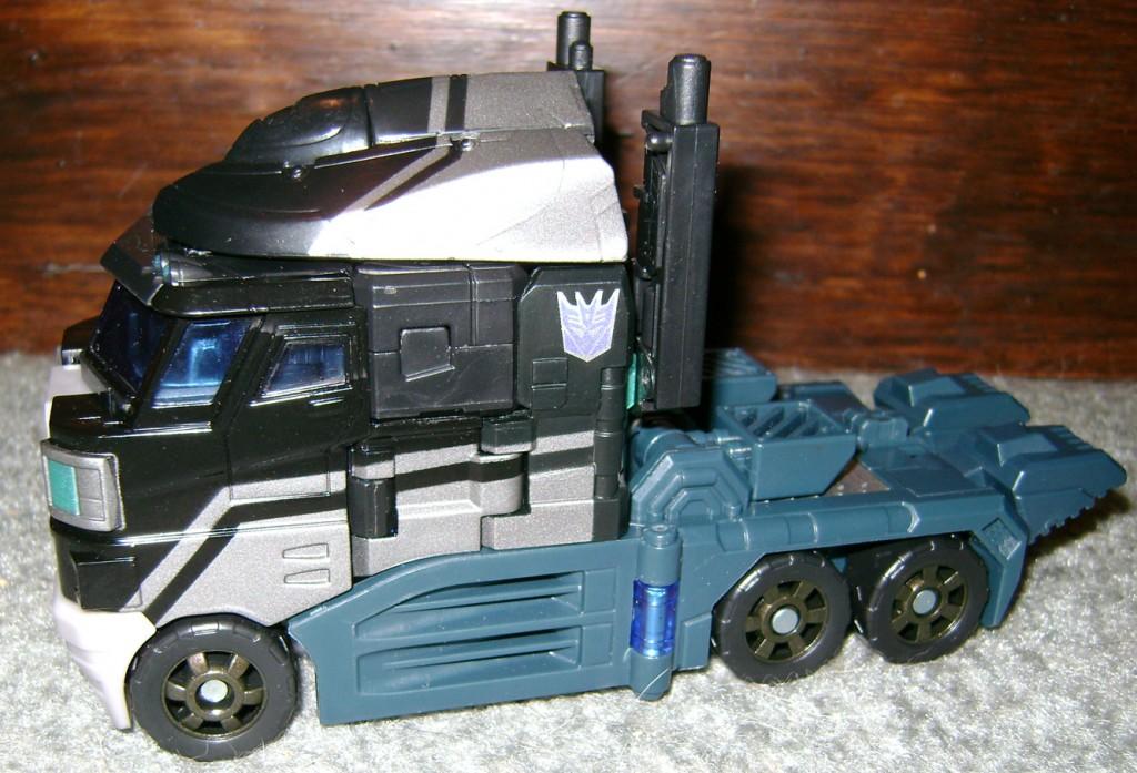 Nem 2 1024x697 Totally Bitch'in Toy: Nemesis Prime!