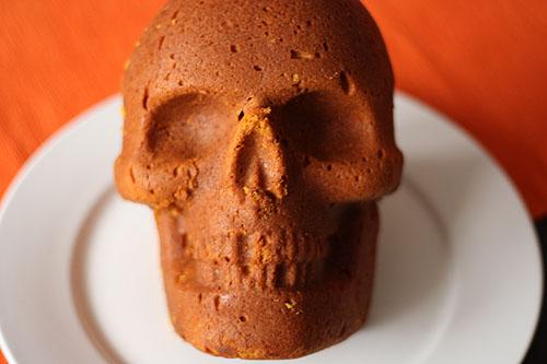 skull cake2 Skull Cake Anyone?