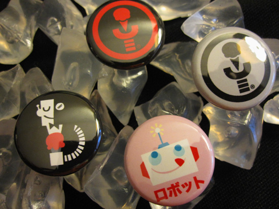 buttons Win Exclusive Robots and Ice Cream Giftset!