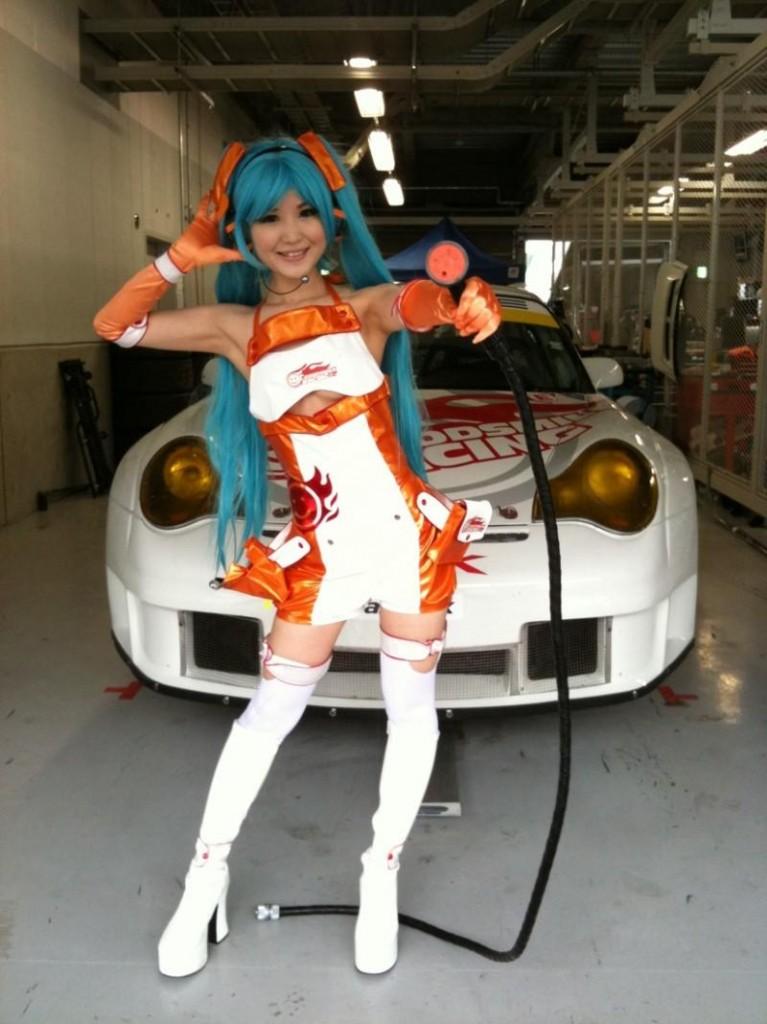 Racing Miku 5 767x1024 Racing Miku: The Sexy Vocaloid!