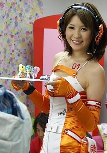 Racing Miku 6 e1297002688163 Racing Miku: The Sexy Vocaloid!
