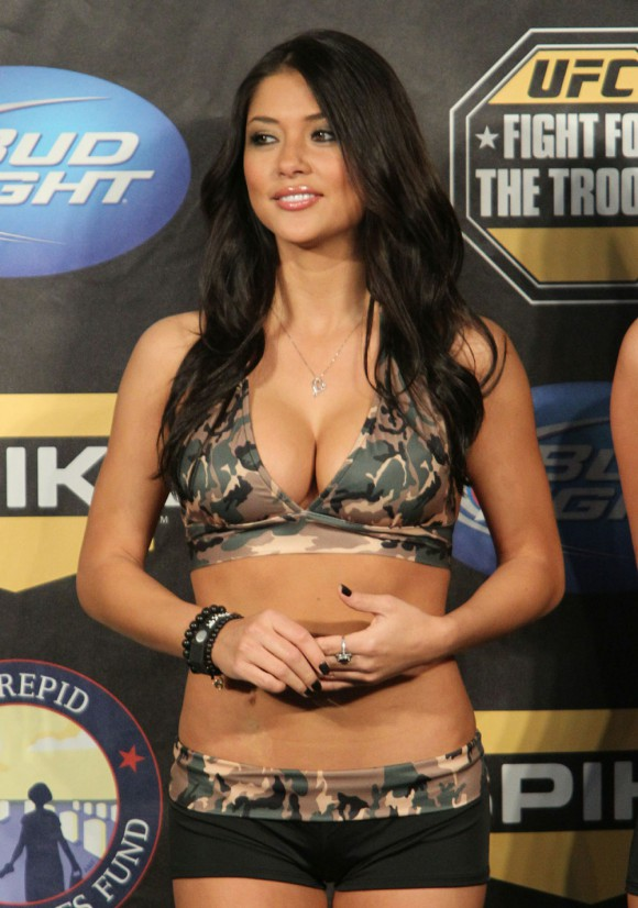 britney arianny camo2 Arianny Celeste In Camo Along With UFC Ring Girls