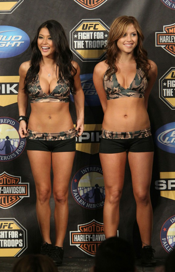 britney arianny camo6 Arianny Celeste In Camo Along With UFC Ring Girls