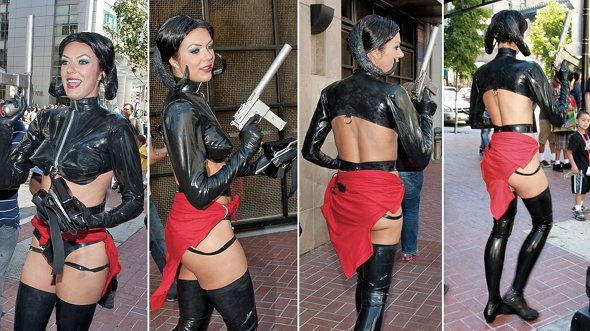 curry cosplay Risqué Cosplayer Adrianne Curry Booted From Comic Con