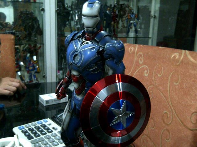 avengers combo Hot Toys Hulk Coming Right Up