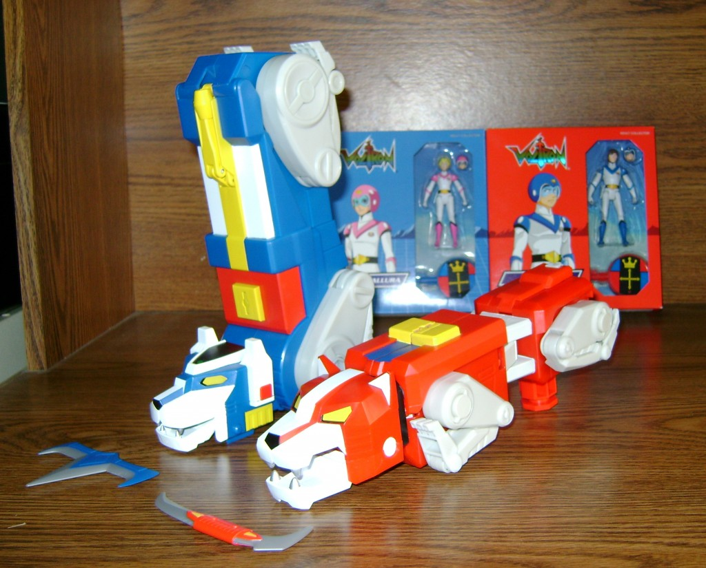Blu Red 3 1024x825 Voltron Classics: Red And Blue Lion!