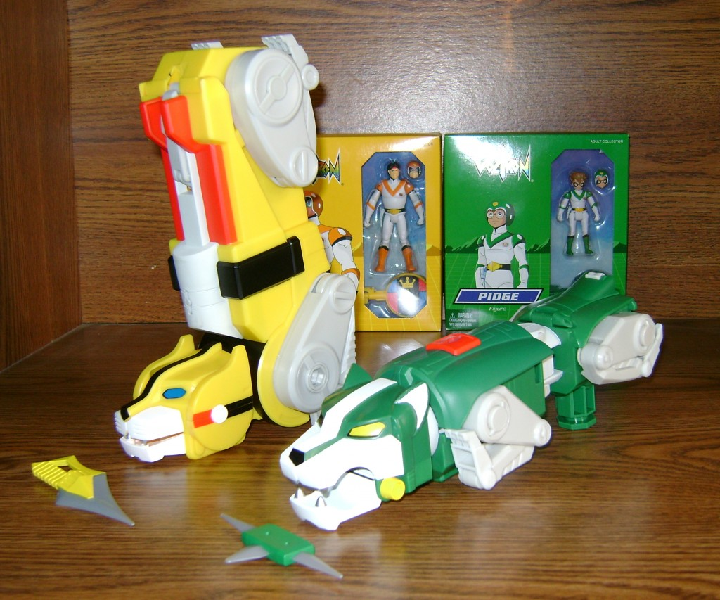 Yel Grn 3 1024x853 Voltron Classics: Green And Yellow Lion!