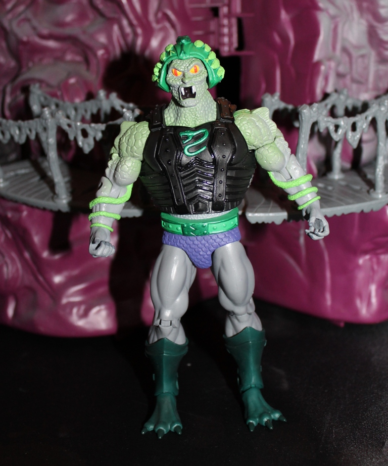 0111 Masters of the Universe Classics: April  Snake Face!