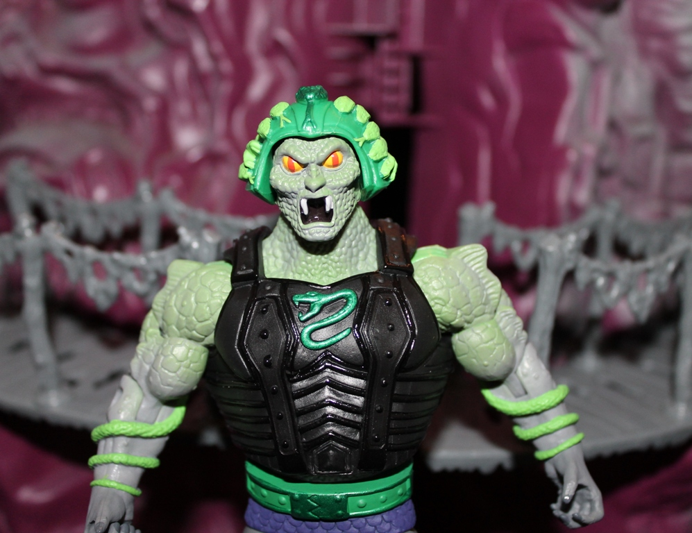 0122 Masters of the Universe Classics: April  Snake Face!