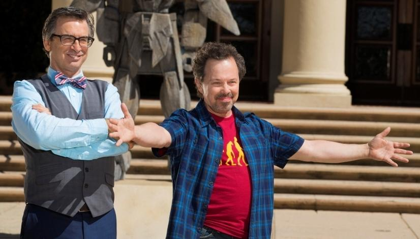 CA KON Interview With Curtis Armstrong!