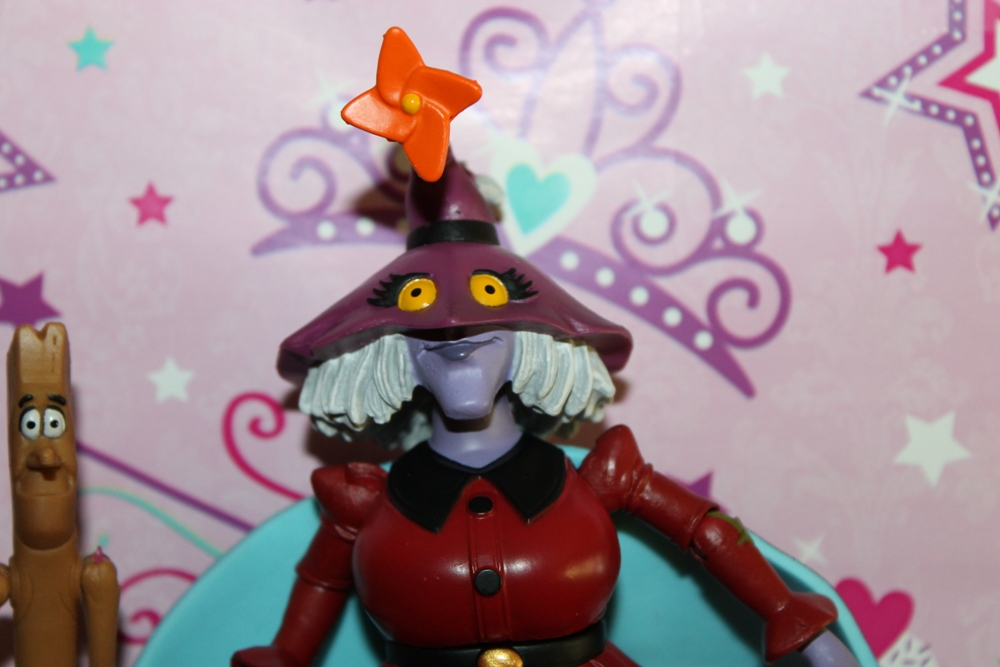 002 Masters of the Universe Club Etheria: August  Madame Razz and Broom!