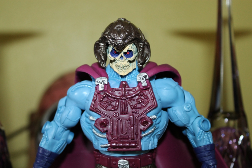 008 Masters of the Universe Classics: August  NA Skeletor & Flutterina