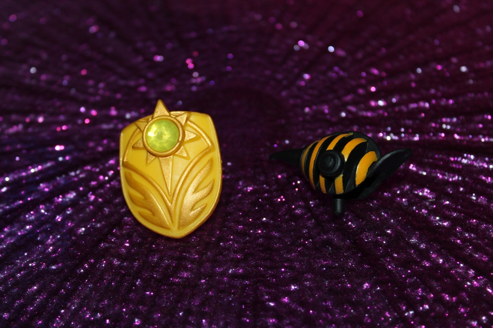 006 Masters of the Universe Club Etheria: October  Sweet Bee and Light Hope!