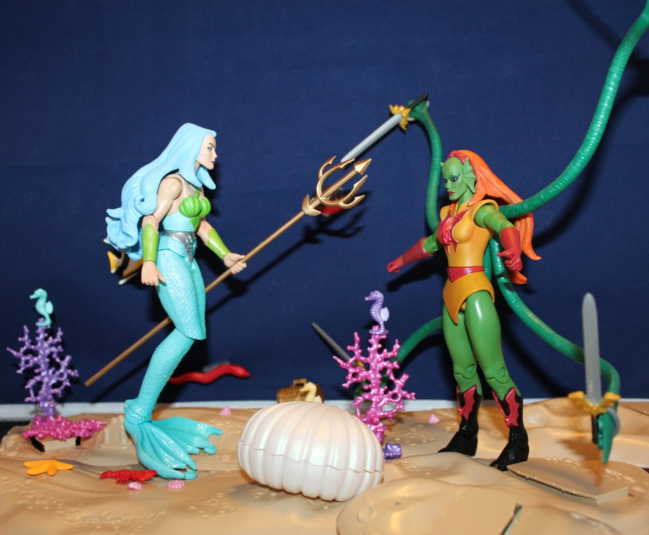 034 Masters of the Universe Classics: December  Gwildor and Mermista!