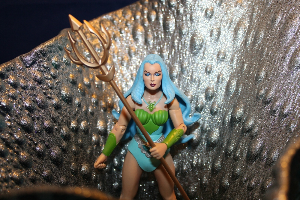 035 Masters of the Universe Classics: December  Gwildor and Mermista!