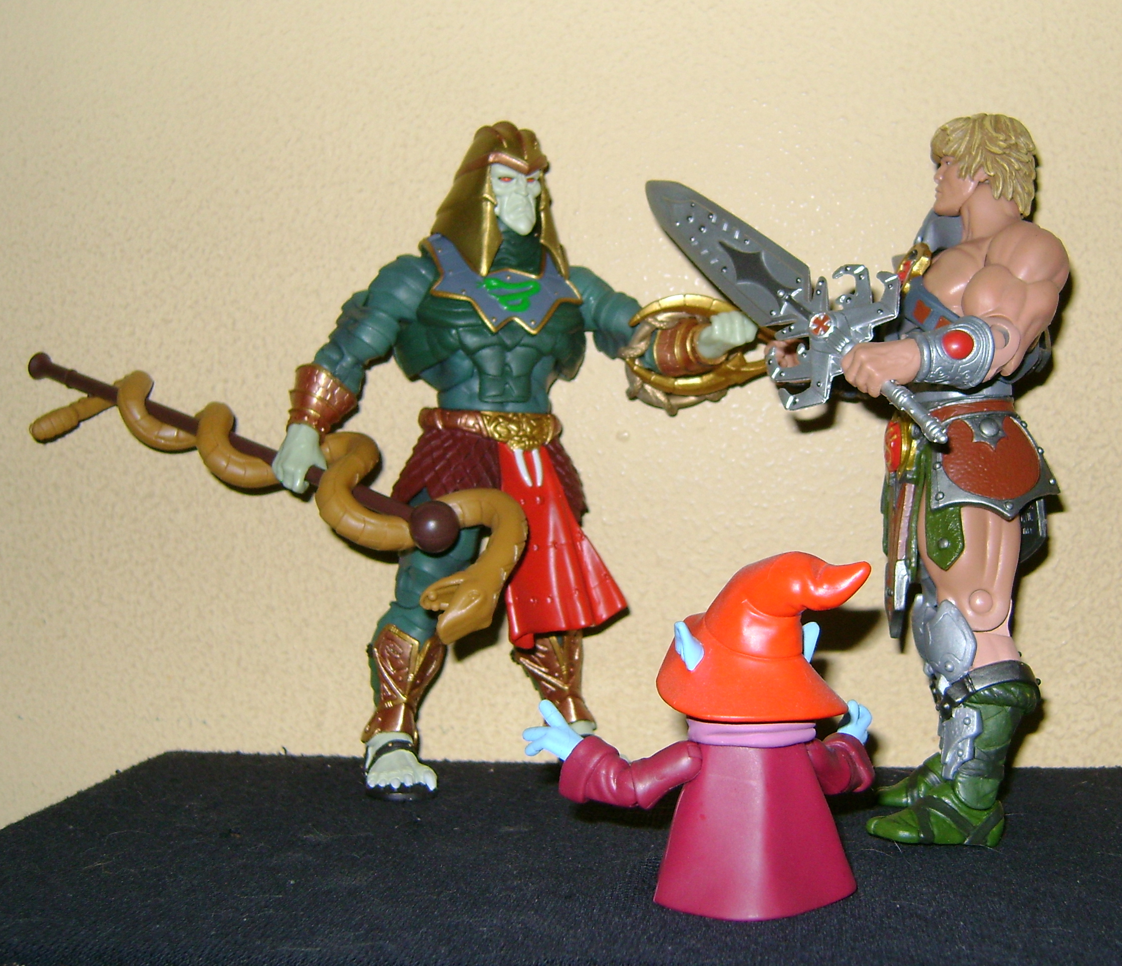 HeKH 10 MOTUC: 2015; Feb {Part 2} Snake Armor He Man and King Hssss!