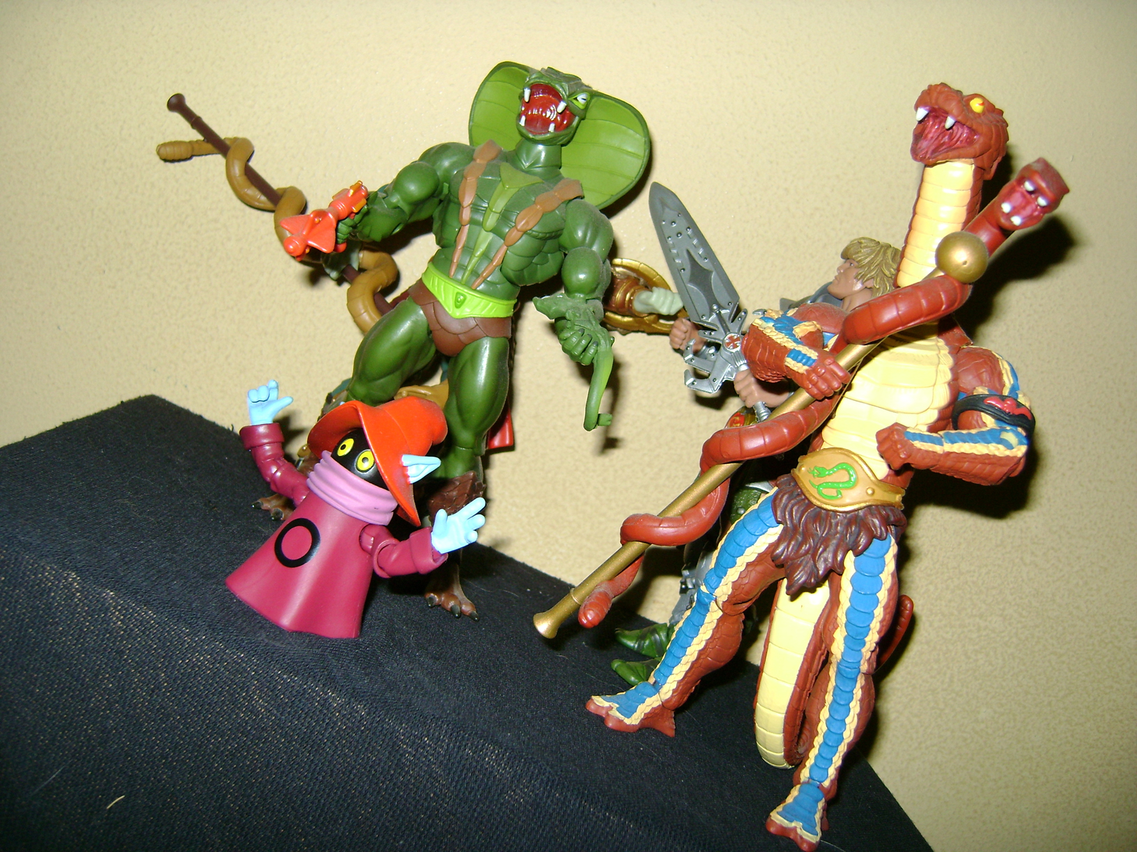 HeKH 11 MOTUC: 2015; Feb {Part 2} Snake Armor He Man and King Hssss!