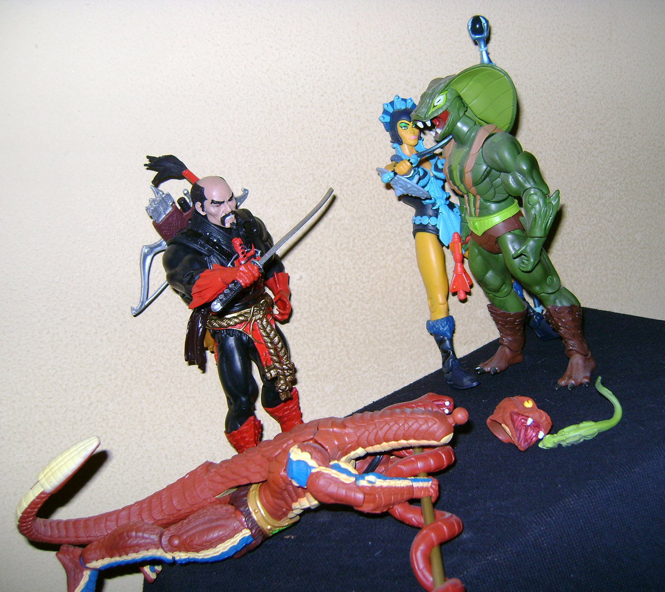 HeKH 12 MOTUC: 2015; Feb {Part 2} Snake Armor He Man and King Hssss!