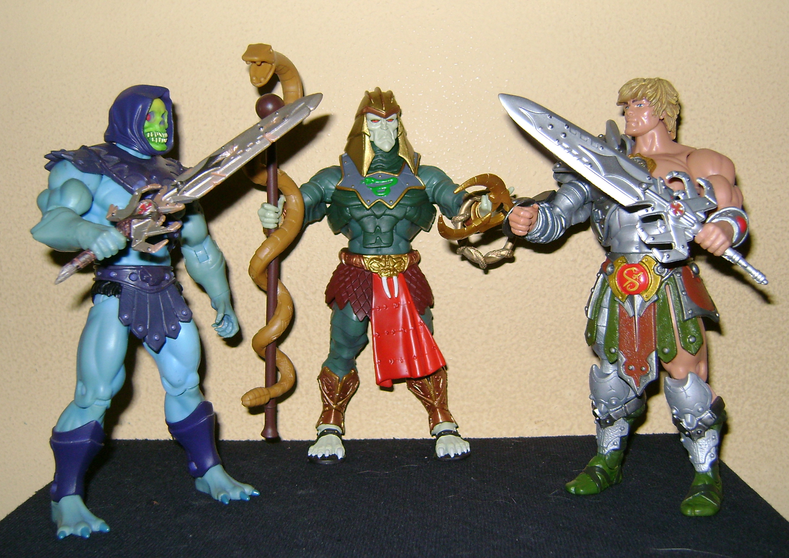 HeKH 13 MOTUC: 2015; Feb {Part 2} Snake Armor He Man and King Hssss!