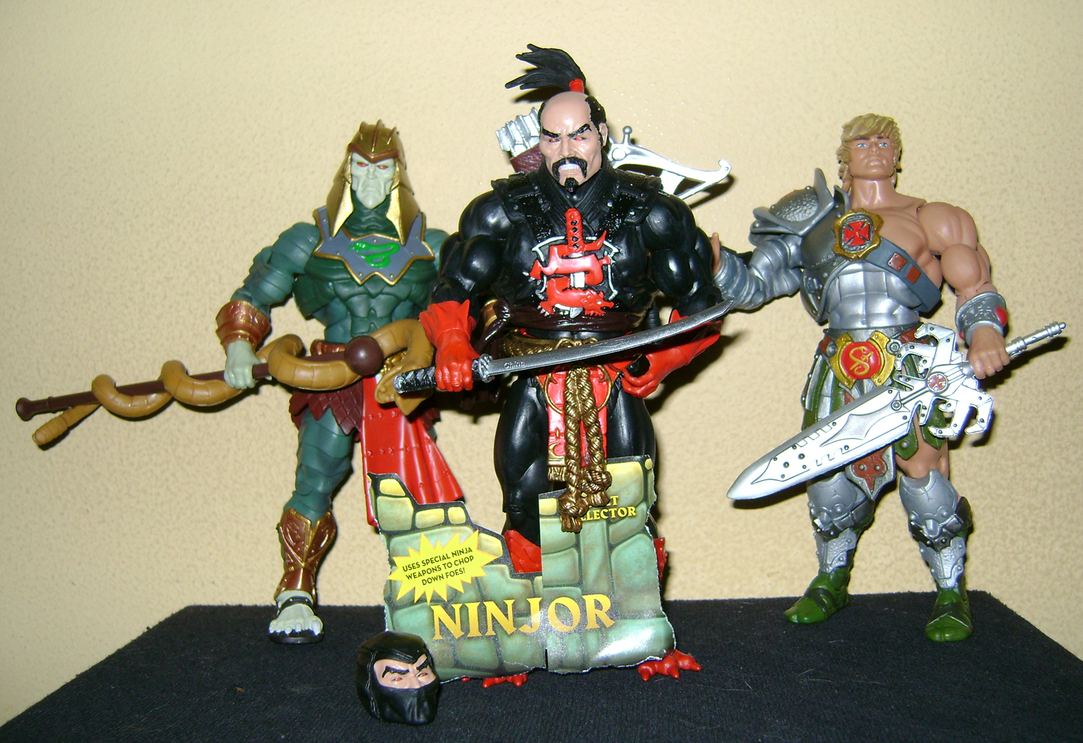HeKH 15 MOTUC: 2015; Feb {Part 2} Snake Armor He Man and King Hssss!