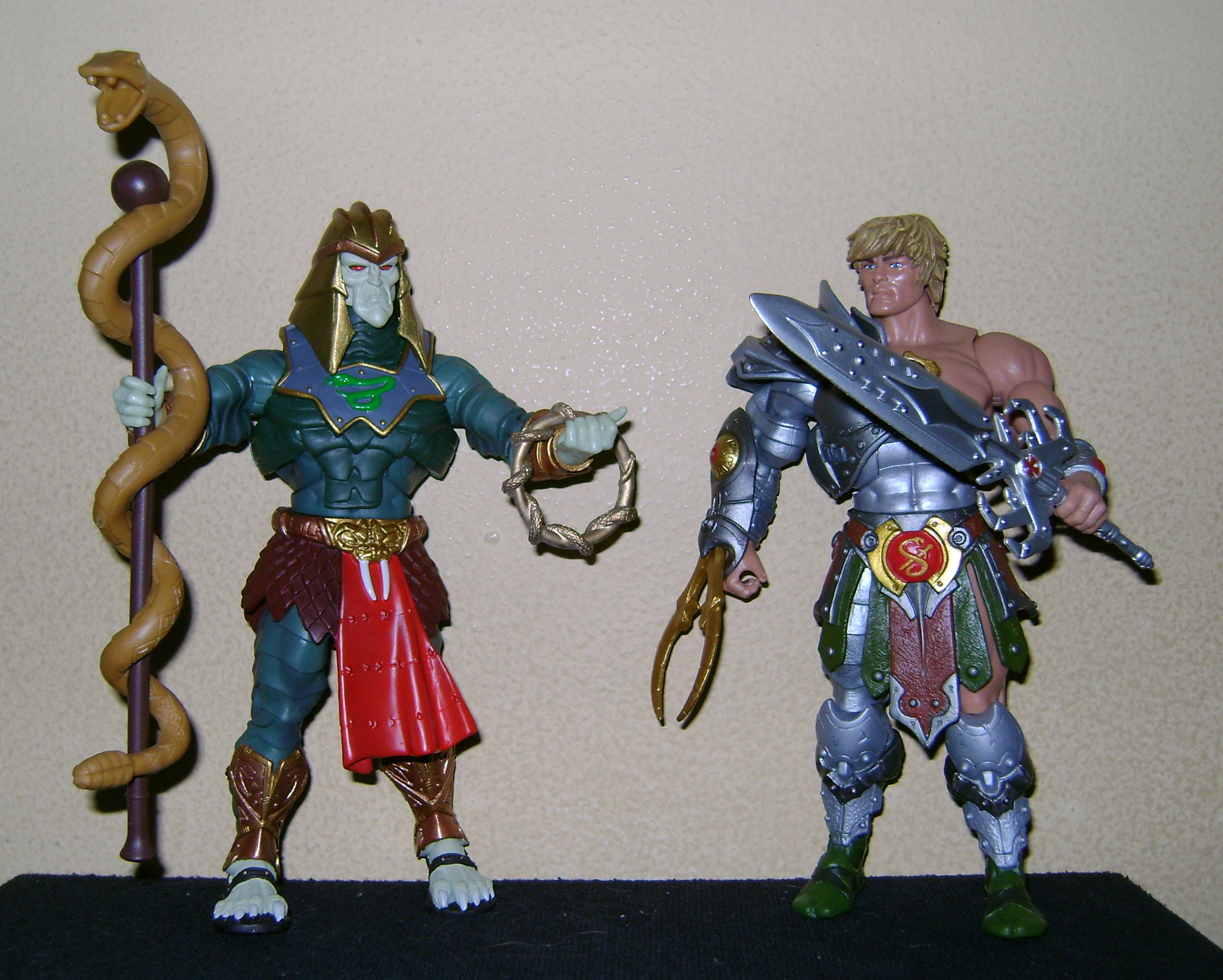 HeKH 9 MOTUC: 2015; Feb {Part 2} Snake Armor He Man and King Hssss!