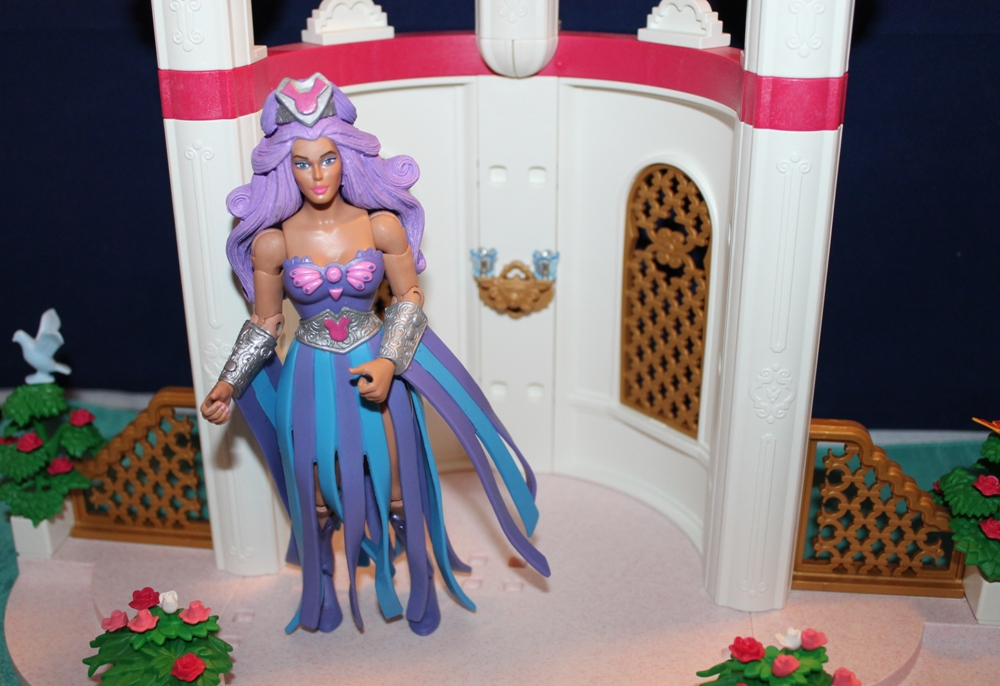 013 Masters of the Universe Club Etheria: December  Spinnerella!