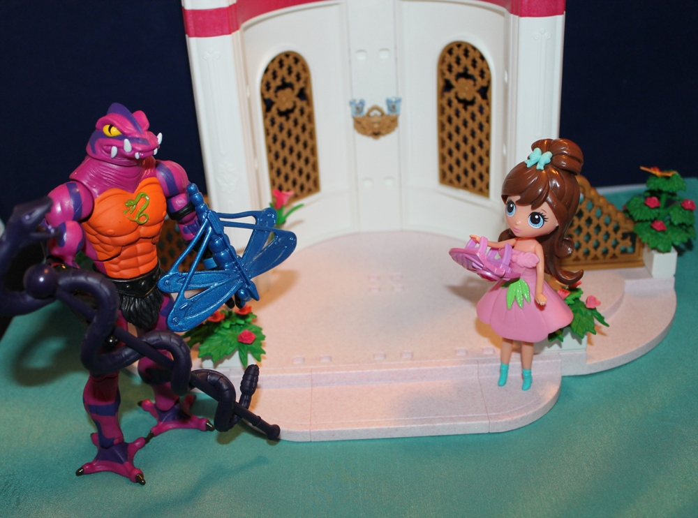 038 Masters of the Universe Club Etheria: December  Spinnerella!