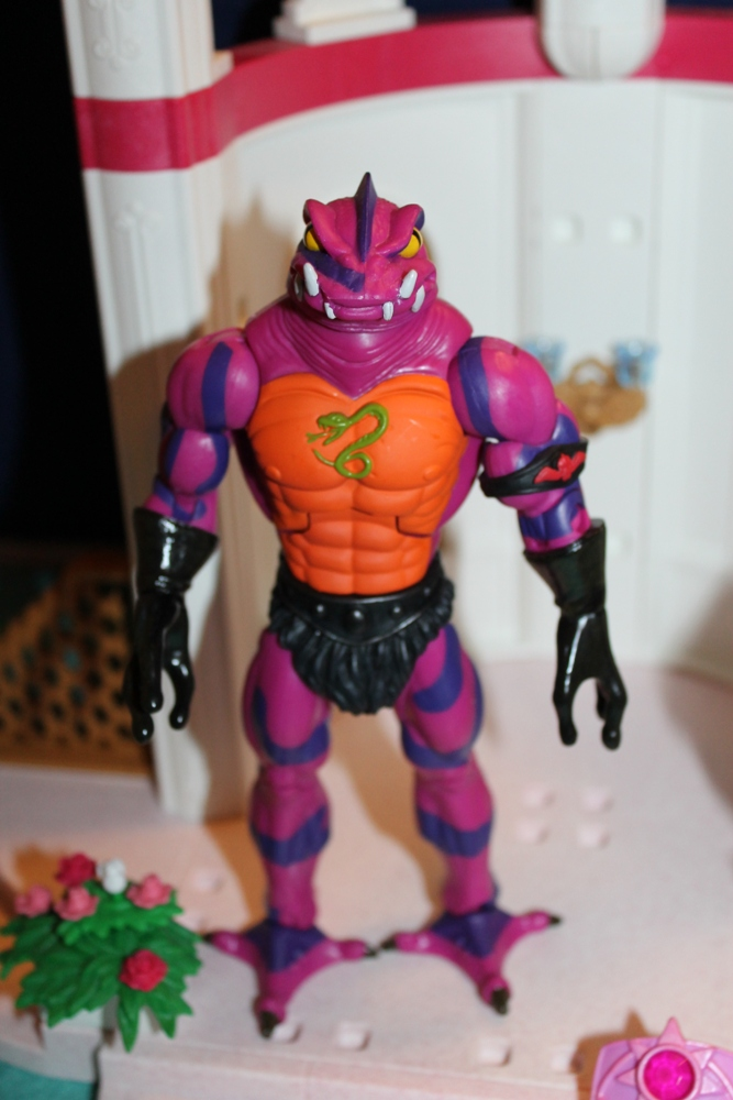 046 Masters of the Universe Club Etheria: December  Spinnerella!