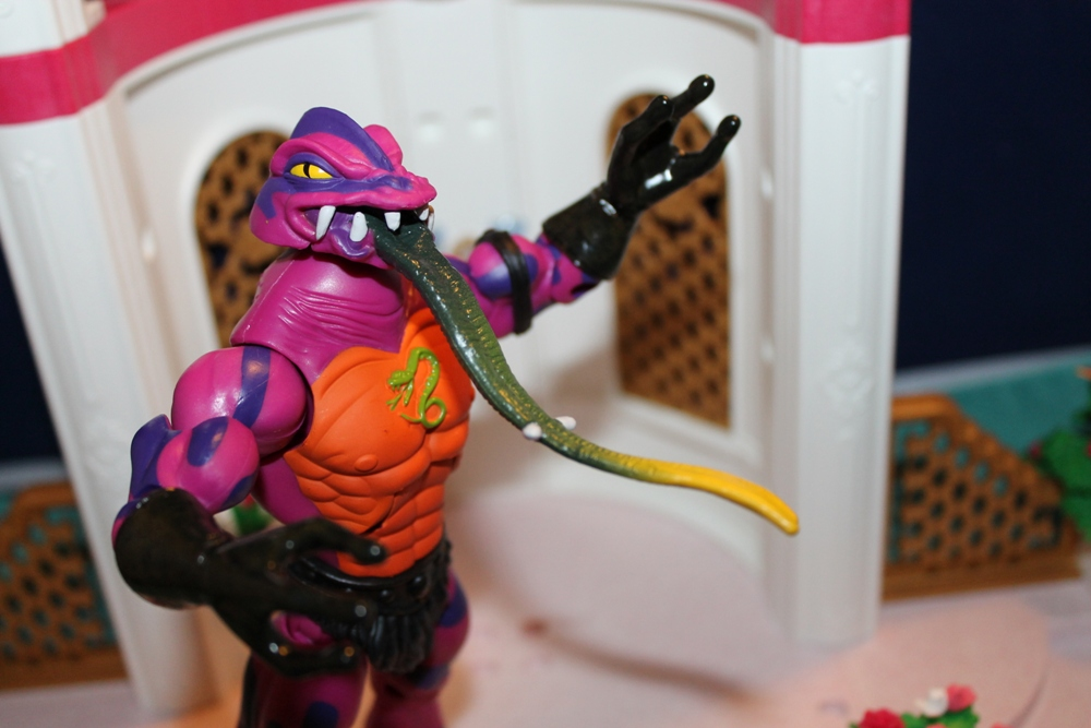 050 Masters of the Universe Club Etheria: December  Spinnerella!