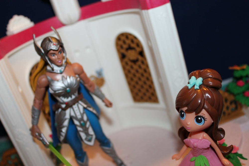 066 Masters of the Universe Club Etheria: December  Spinnerella!