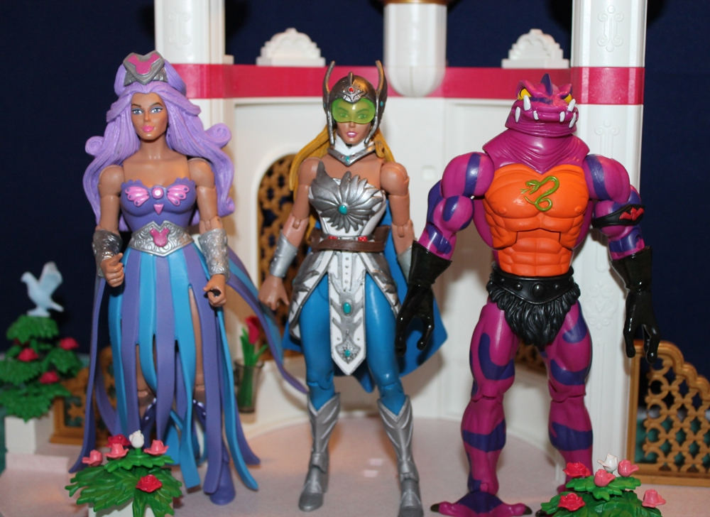 071 Masters of the Universe Club Etheria: December  Spinnerella!