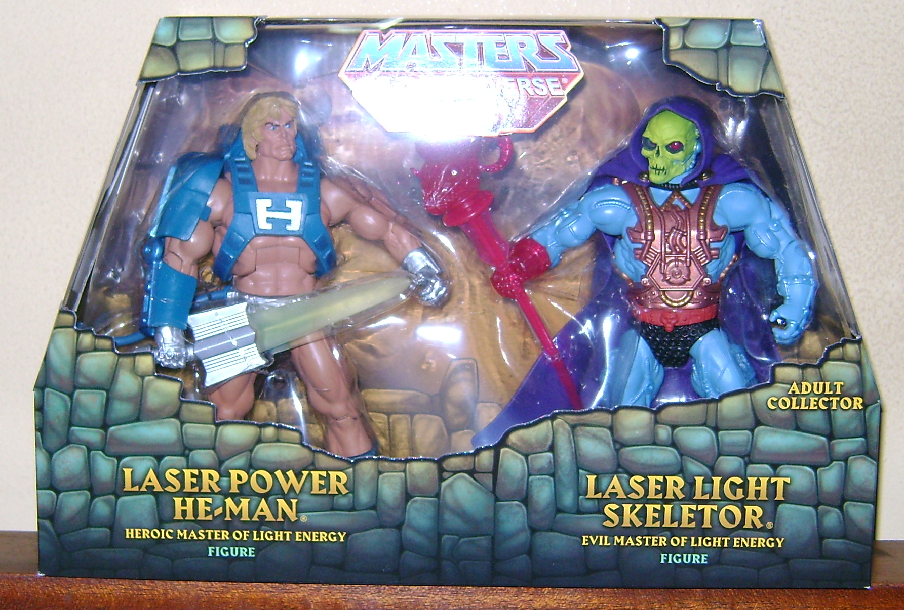 Las 1 Final MOTUC: Prahvus, Son Of He Man and Laser Power He Man With Laser Light Skeletor!